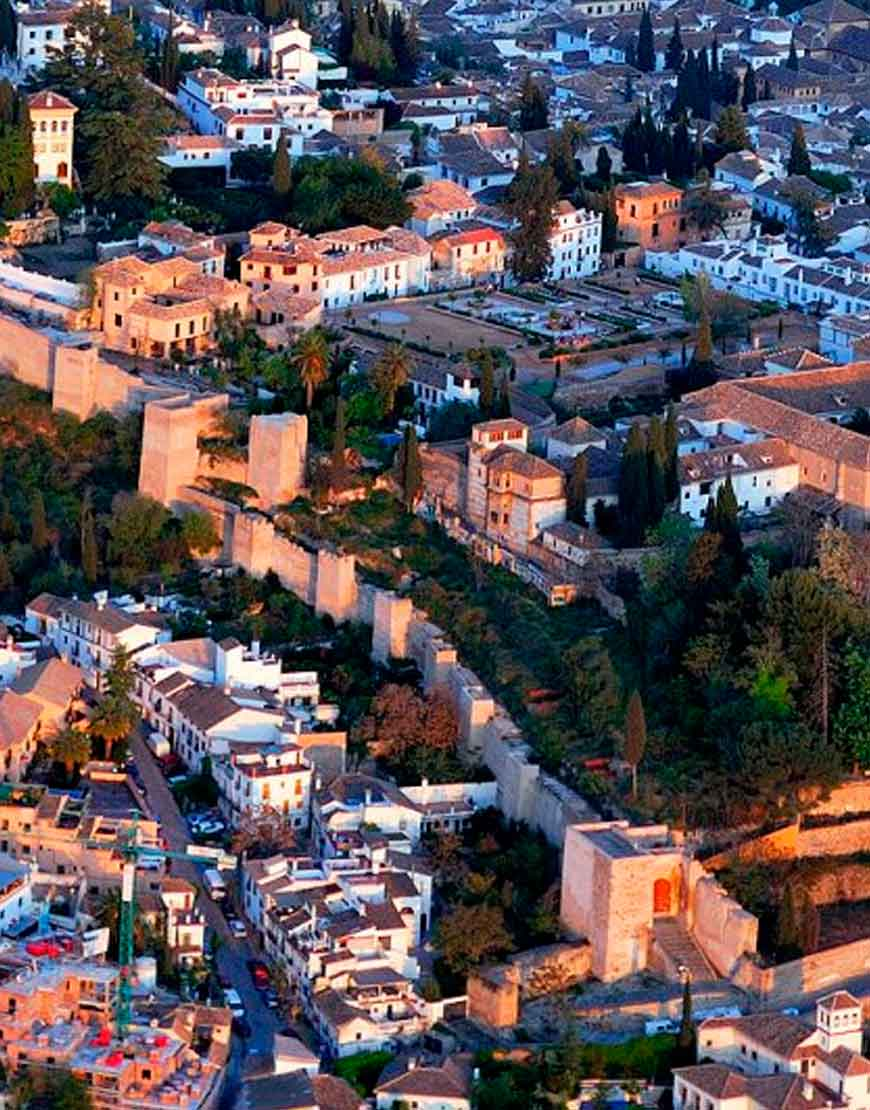 Visit to the Albaicin and Sacromonte