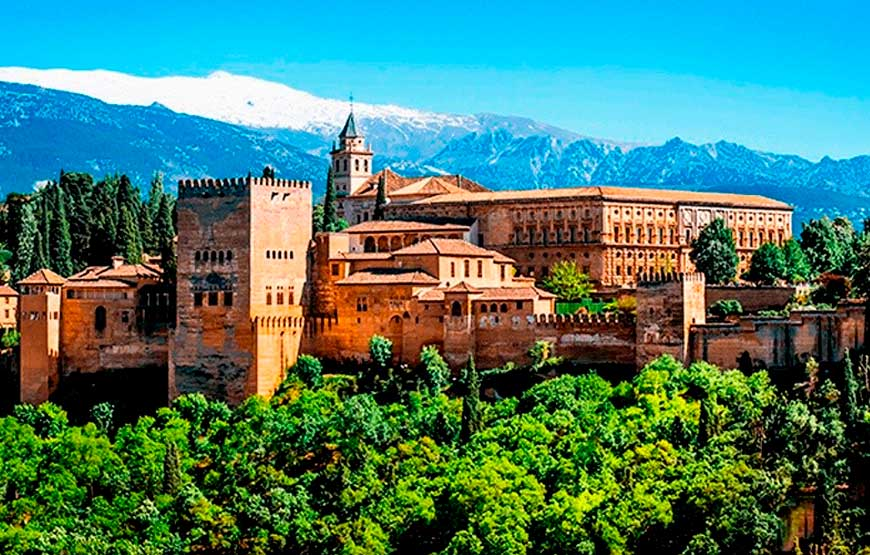 Alhambra Guided Tour From Malaga